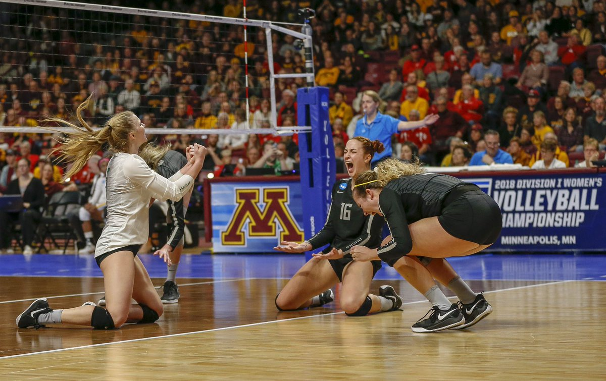 Highlights No 15 Oregon Women S Volleyball Outlasts No 2 Minnesota In Wild Second Set Upsets Golden Gophers To Advance To Elite Eight Of Ncaa Tournament For First Time Since 2012 Pac 12