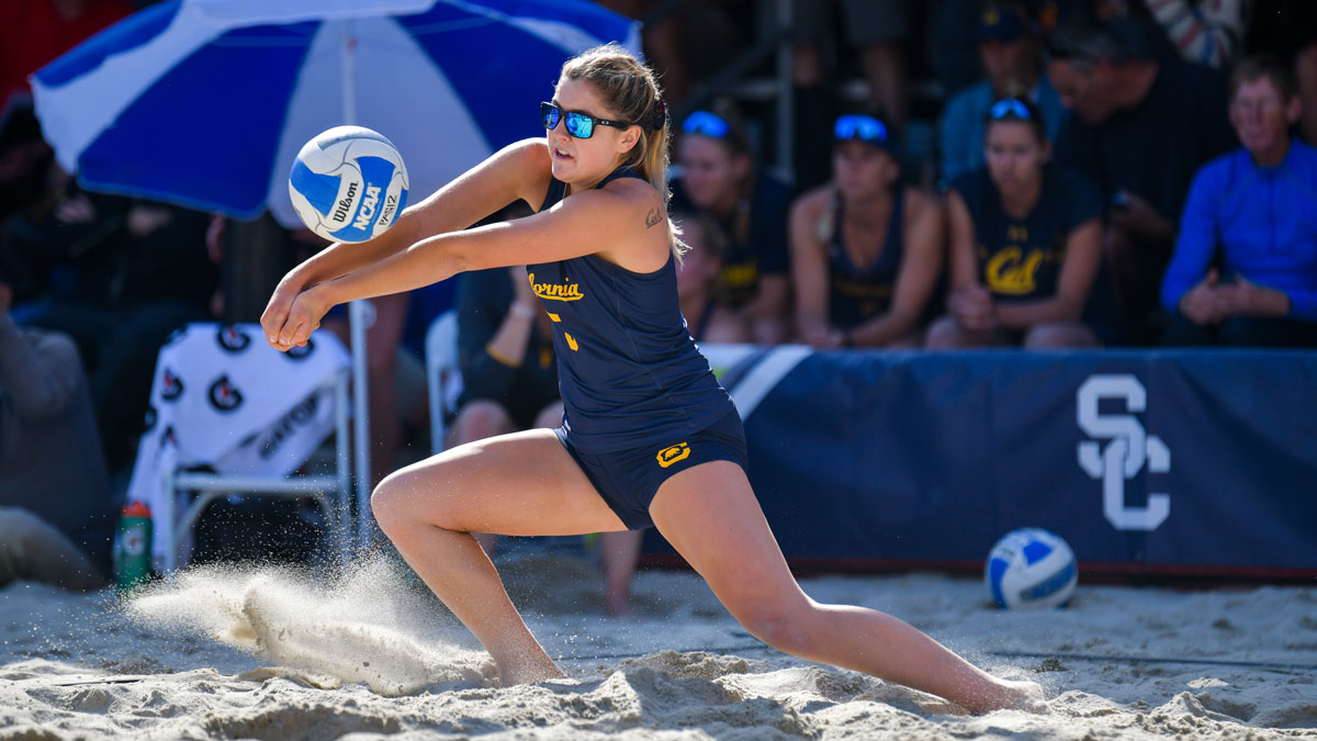 2019 Pac 12 Beach Volleyball Championship Cal Edges Arizona In Close Dual To Remain Alive In Contender S Bracket Pac 12